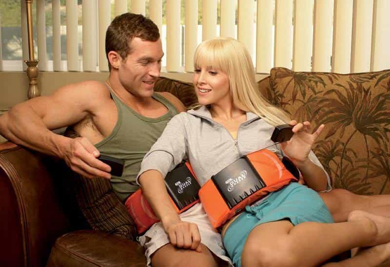 Couple avec ceinture vibrante